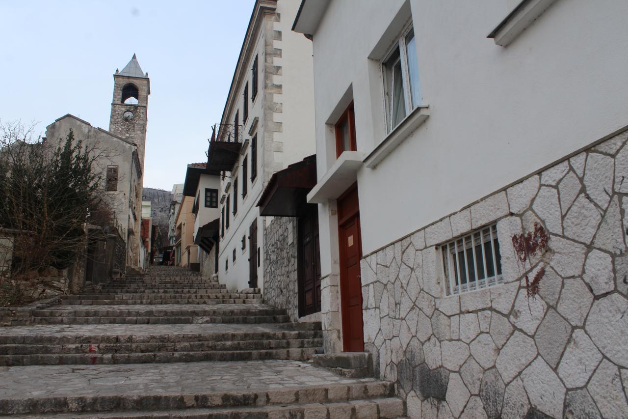 Hyr ett rum i hjärtat av Mostar i Bosnien och Hercegovina
